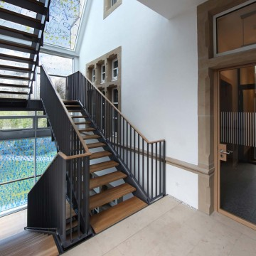 neuer Treppenaufgang im Johannes Hatzfeld-Haus